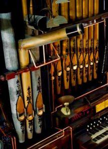 organ at Mode Club (2)